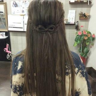 ハーフアップ ヘアアレンジ ナチュラル 編み込み ヘアスタイルや髪型の写真・画像