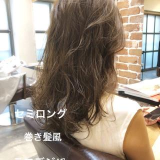 ゆるふわパーマ アンニュイほつれヘア パーマ セミロング ヘアスタイルや髪型の写真・画像