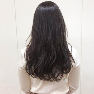 セミロング アディクシーカラー 暗髪バイオレット ゆる巻き ヘアスタイルや髪型の写真・画像