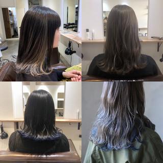 インナーカラー ウルフカット ミディアム 外ハネ ヘアスタイルや髪型の写真・画像