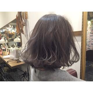 ブルージュ ストリート グレージュ 外国人風 ヘアスタイルや髪型の写真・画像