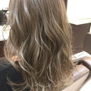 ミディアム ガーリー かわいい セクシー ヘアスタイルや髪型の写真・画像