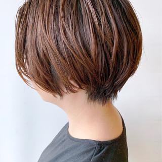 ハンサムショート 大人かわいい ばっさり オフィス ヘアスタイルや髪型の写真・画像