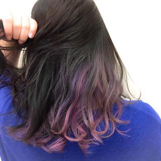 インナーカラー ウェーブ 秋 上品 ヘアスタイルや髪型の写真・画像