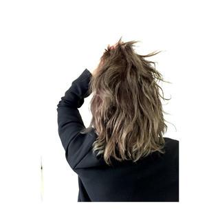 渋谷系 グラデーションカラー ハイトーン ミディアム ヘアスタイルや髪型の写真・画像