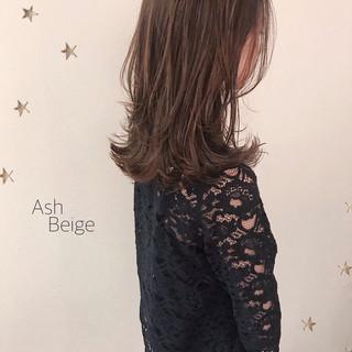 セミロング ゆるナチュラル ゆる巻き レイヤーロングヘア ヘアスタイルや髪型の写真・画像