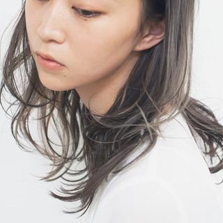 ミディアム ゆるふわ ハイライト 外国人風 ヘアスタイルや髪型の写真・画像