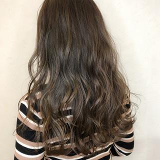 モード ロング デート ミルクティー ヘアスタイルや髪型の写真・画像