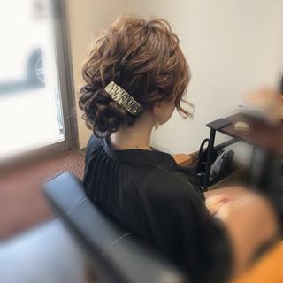 結婚式 ねじり フェミニン アップスタイル ヘアスタイルや髪型の写真・画像