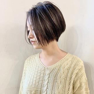 ハイライト ショートヘア ショートボブ ナチュラル ヘアスタイルや髪型の写真・画像