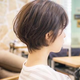ショート 小顔 耳かけ ショートボブ ヘアスタイルや髪型の写真・画像