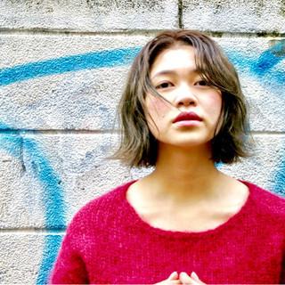色気 こなれ感 アッシュ 外国人風 ヘアスタイルや髪型の写真・画像