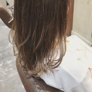 セミロング デート ハイライト 外国人風カラー ヘアスタイルや髪型の写真・画像