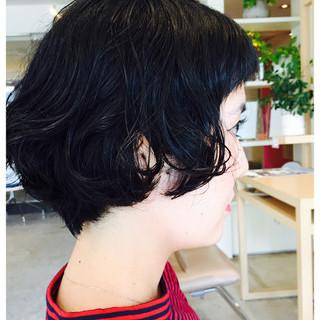 ゆるふわ ショートボブ モード 黒髪 ヘアスタイルや髪型の写真・画像