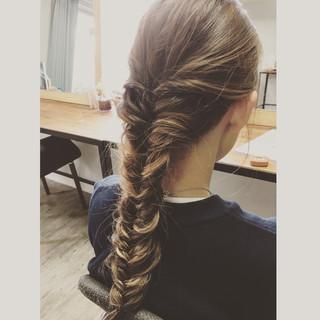 フィッシュボーン グラデーションカラー ロング 簡単ヘアアレンジ ヘアスタイルや髪型の写真・画像 ヘアスタイルや髪型の写真・画像