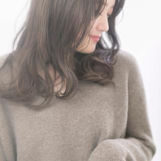ナチュラル ゆるふわ レイヤーカット 透明感 ヘアスタイルや髪型の写真・画像