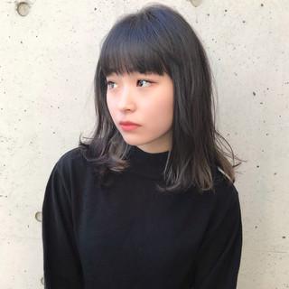 インナーカラー ナチュラル ミディアム 大人女子 ヘアスタイルや髪型の写真・画像