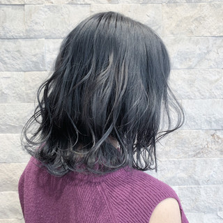 ブリーチオンカラー ブルージュ ミディアム ナチュラル ヘアスタイルや髪型の写真・画像