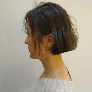 ナチュラル ボブ 波ウェーブ ヘアスタイルや髪型の写真・画像