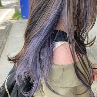 インナーカラー パープルアッシュ ストリート ラベンダーグレー ヘアスタイルや髪型の写真・画像