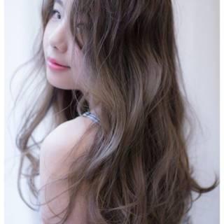 ロング グラデーションカラー グレーアッシュ モテ髪 ヘアスタイルや髪型の写真・画像