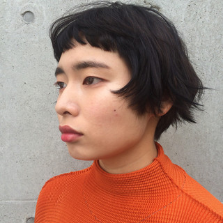 切りっぱなし ショート ショートバング ストリート ヘアスタイルや髪型の写真・画像