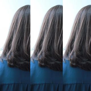 大人かわいい アッシュ ゆるふわ 黒髪 ヘアスタイルや髪型の写真・画像