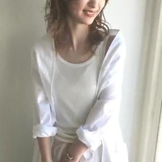 ミディアム アンニュイ バレイヤージュ レイヤーカット ヘアスタイルや髪型の写真・画像 ヘアスタイルや髪型の写真・画像