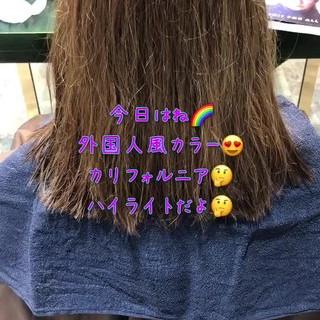 ミディアム グレージュ イルミナカラー 外国人風カラー ヘアスタイルや髪型の写真・画像