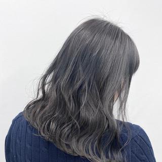 ロング 就活 フェミニン シルバーグレイ ヘアスタイルや髪型の写真・画像