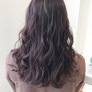 フェミニン セミロング 外国人風カラー ラベンダーアッシュ ヘアスタイルや髪型の写真・画像