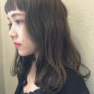 ナチュラル ウェーブ リラックス ニュアンス ヘアスタイルや髪型の写真・画像