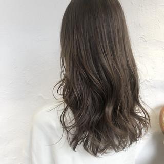 セミロング 外国人風カラー ナチュラル 大人ハイライト ヘアスタイルや髪型の写真・画像