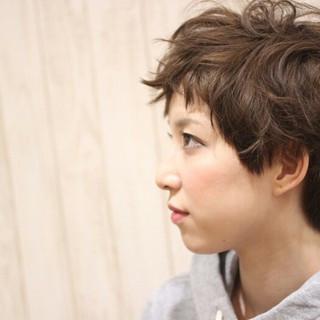 冬 アッシュ ゆるふわ ショート ヘアスタイルや髪型の写真・画像