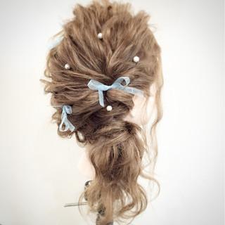 簡単ヘアアレンジ ポニーテール セミロング ゆるふわ ヘアスタイルや髪型の写真・画像