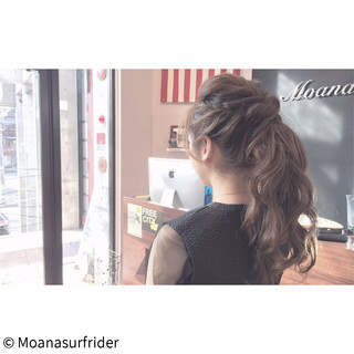 ヘアアレンジ セミロング アンニュイ ラフ ヘアスタイルや髪型の写真・画像