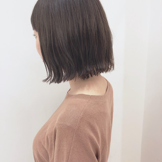 透明感 ミニボブ フェミニン 切りっぱなしボブ ヘアスタイルや髪型の写真・画像