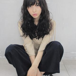 外国人風 ゆるふわ ストリート 黒髪 ヘアスタイルや髪型の写真・画像