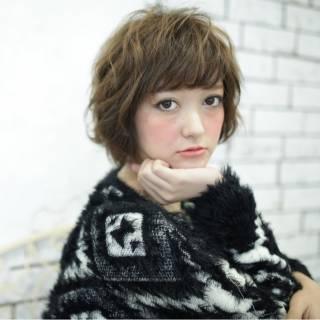ナチュラル ウェーブ ショート モード ヘアスタイルや髪型の写真・画像