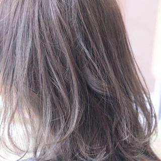 外国人風カラー グレージュ ナチュラル アッシュ ヘアスタイルや髪型の写真・画像 ヘアスタイルや髪型の写真・画像