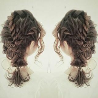 ミディアム フェミニン ヘアアレンジ 外国人風 ヘアスタイルや髪型の写真・画像