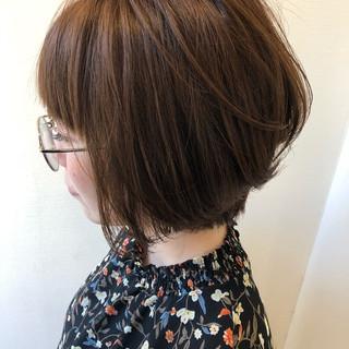 ショート ヌーディーベージュ ミルクティーベージュ イルミナカラー ヘアスタイルや髪型の写真・画像