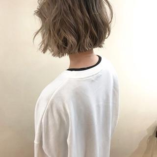 アンニュイほつれヘア ゆるふわ ナチュラル ブリーチ ヘアスタイルや髪型の写真・画像