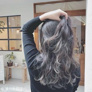 グラデーションカラー ゆるふわ ロング アンニュイほつれヘア ヘアスタイルや髪型の写真・画像