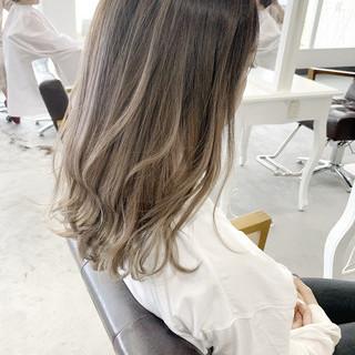 ナチュラル 透明感カラー 大人かわいい バレイヤージュ ヘアスタイルや髪型の写真・画像