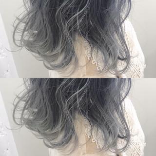 ホワイトシルバー ホワイトアッシュ ホワイト アッシュグレージュ ヘアスタイルや髪型の写真・画像