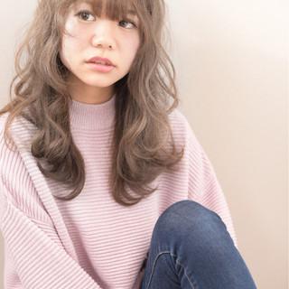 ロング フェミニン ハイライト ゆるふわ ヘアスタイルや髪型の写真・画像