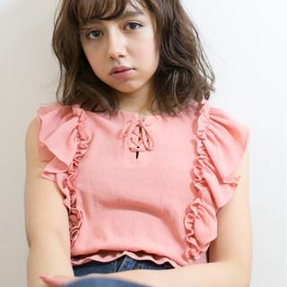 色気 ミディアム デート リラックス ヘアスタイルや髪型の写真・画像 ヘアスタイルや髪型の写真・画像