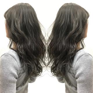上品 ロング 黒髪 アッシュ ヘアスタイルや髪型の写真・画像 ヘアスタイルや髪型の写真・画像