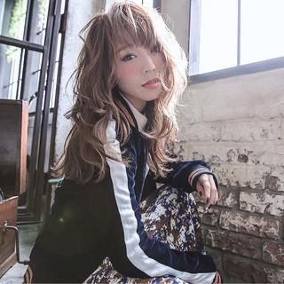 セミロング 外国人風 大人女子 ストリート ヘアスタイルや髪型の写真・画像
